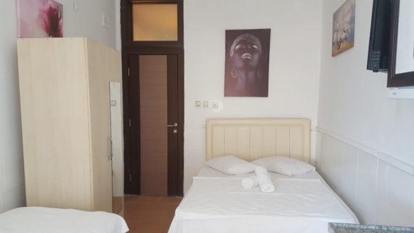 oda içi çift kişilik yatak